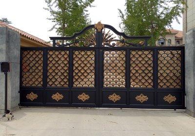 铝艺大门安装案例