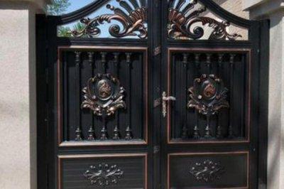 别墅选择铝艺大门的原因以及选择注意事项